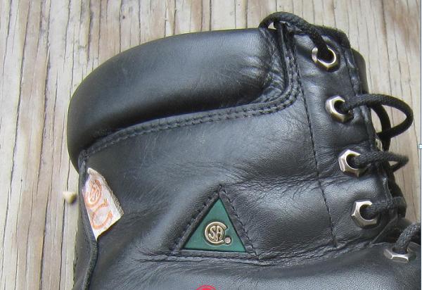 giày bảo hộ mũi thép